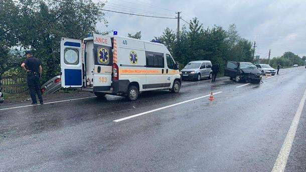 На Буковині  у ДТП загинув іноземець і ще четверо осіб госпіталізовано