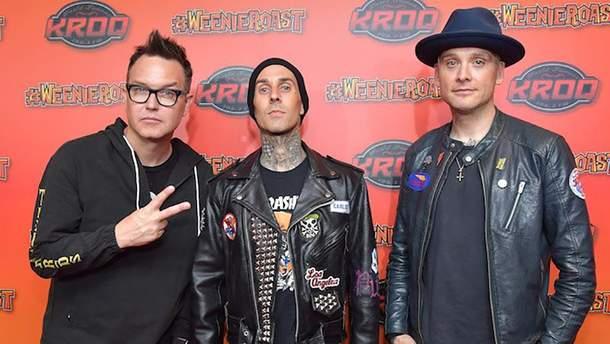 Музиканти з Blink-182 досі в Техасі