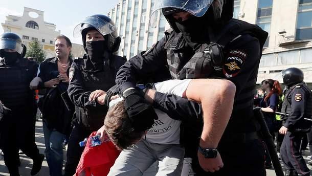 Задержание протестующих в Москве