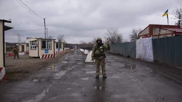 """Через розмінування на стороні бойовиків КПВВ """"Станиця-Луганська"""" змінить графік роботи"""
