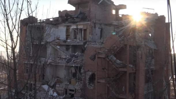 Оккупанты постоянными обстрелами уничтожили почти все в некогда курортном Широкино