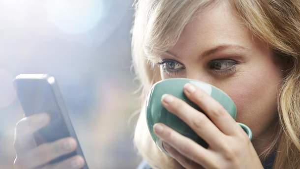 Скільки потрібно користуватися смартфоном, щоб збільшити ризик ожиріння