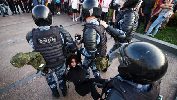 Московская прокуратура хочет лишить супружескую пару родительских прав за участие в акции 27 июля