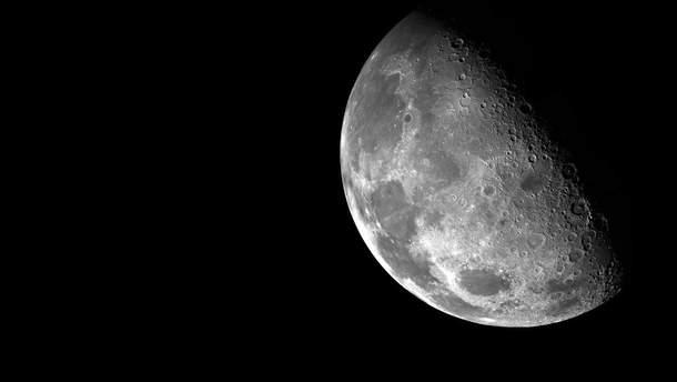 На Луне большие запасы воды