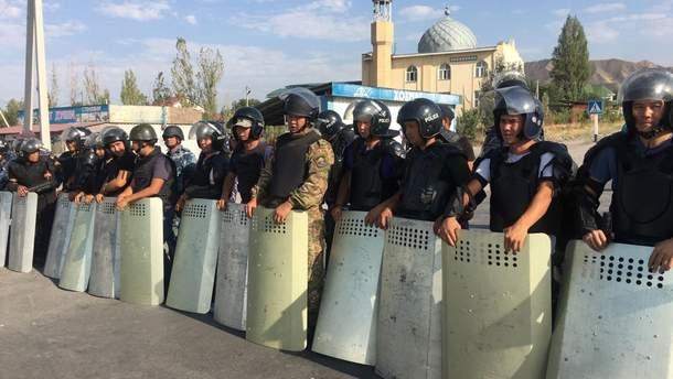 Штурм резиденції Атамбаєва та його затримання в Киргизії: новини – що сталося