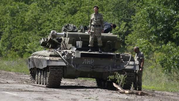 Боевики стягивают технику к линии разграничения: детали