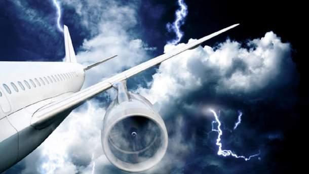 Из-за неблагоприятных погодных условий российскому самолету разрешили зайти в воздушное пространство Украины