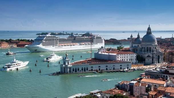 Круизные лайнеры не смогут заходить в центр Венеции