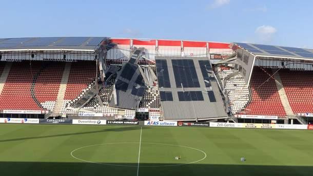Обрушение трибуны стадиона АЗ