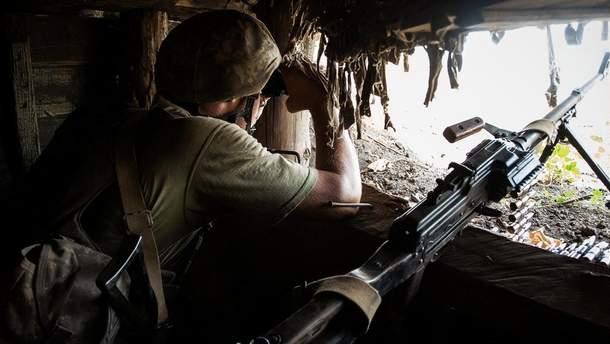 """Боевики на Донбассе нарушили """"перемирие"""" 13 раз, есть погибший и раненый"""