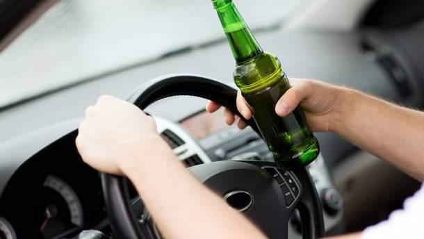 В состоянии алкогольного опьянения за руль не следует садиться категорически