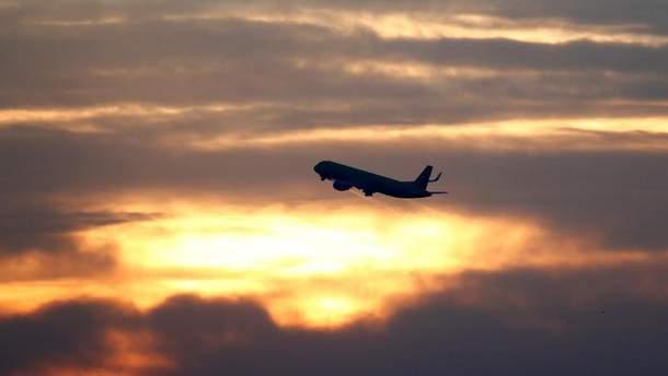 Какие украинские и иностранные авиакомпании были самыми пунктуальными в июле