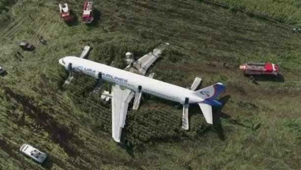 Жесткая посадка самолета в Подмосковье
