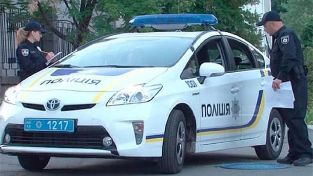 На Киевщине патрульные остановили нарушителя: тот внезапно умер