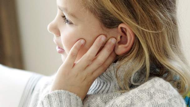 Сильная боль в ухе – симптомы и причины боли в ухе и как лечить отит