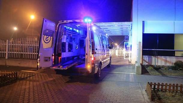 У Польщі на фабриці LG серйозно травмувався 28-річний українець: чоловік помер у лікарні