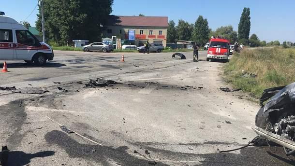 На трасі Київ – Суми зіткнулися Audi Q5 і Chevrolet Aveo: загинув поліцейський і його 7-річна донька