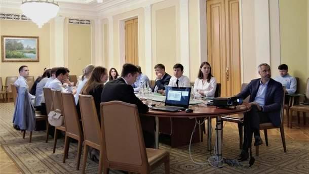 Руслан Рябошапка на обговоренні теми корупції