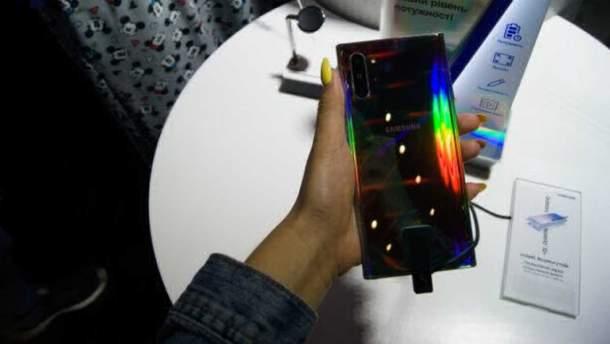Смартфон Samsung Galaxy Note 10+ 5G протестували на міцність: відео