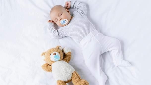Назвали небезпечний предмет для немовляти, який купують більшість батьків