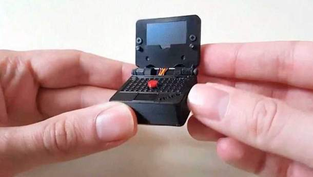Фанат создал миниатюрную копию ноутбука