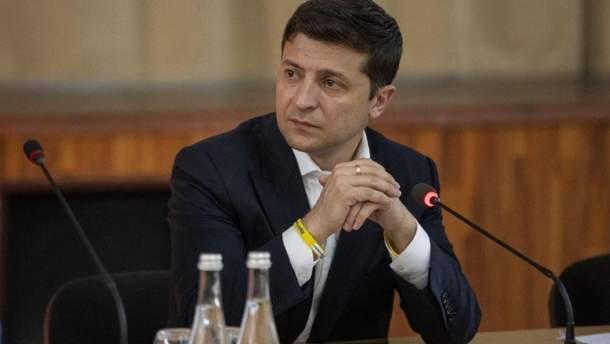 Зеленський виступив після церемонії підняття Прапора України