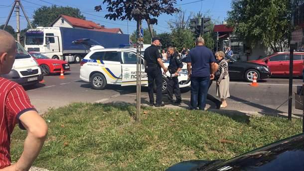 Авто поліції збило 2 жінок у Львові