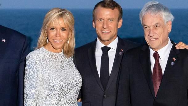 Бріджит Макрон з чоловіком та іншими членами саміту G7