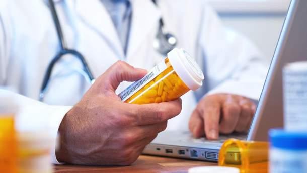 Відомий бренд звинувачують в епідемії наркоманії через знеболювальні