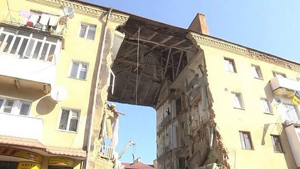 В Дрогобыче обвалилась часть 4-этажного дома