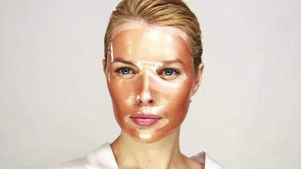 Тканинна маска підходить для усіх типів шкіри