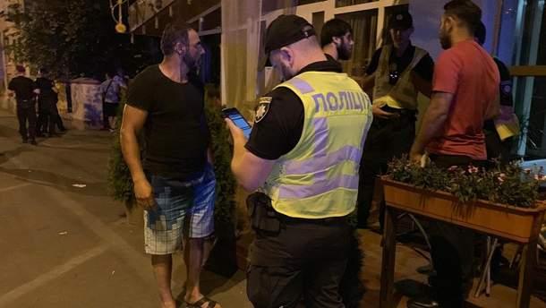 Выстрелы и драка в кафе в Киеве