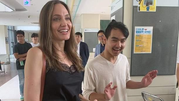 Анджеліна Джолі і син Меддокс