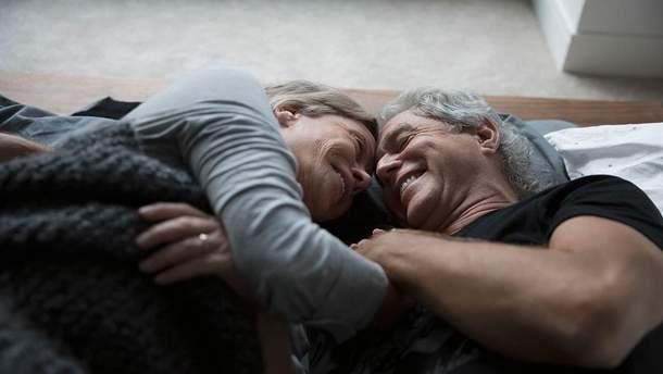 Ученые призывают не отказываться от секса после 50