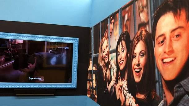 """У Нью-Йорку відкрили музей, який потішив усіх прихильників серіалу """"Друзі"""""""