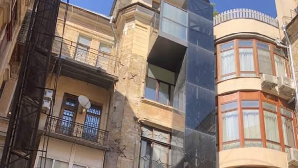 Дом с частным лифтом