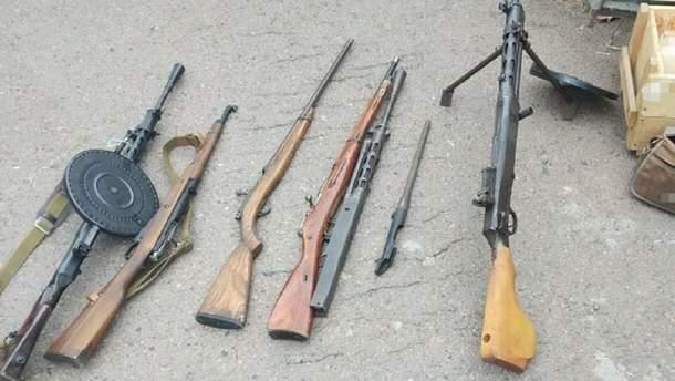 На Черниговщине мужчина продавал в интернете оружие и боеприпасы