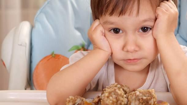 Діти, які переїдають в дитинстві, схильні хворіти анорексією