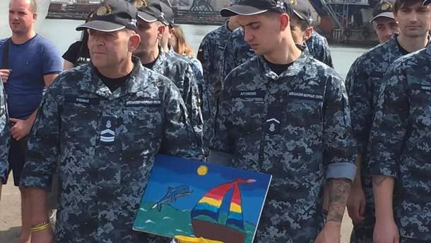 Освобожденные из плена РФ моряки вернулись в Одессу