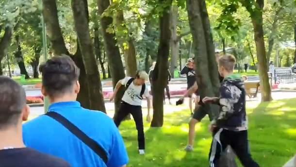 Радикалы напали на участников Марша равенства и подрались с полицией