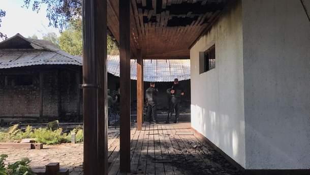 Під Києвом невідомі спалили будинок Валерії Гонтаревої (фото, відео)