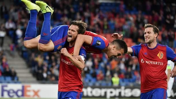 """Принизливі поразки росіян, впевнені перемоги """"Арсеналу"""" та """"Севільї"""": результати Ліги Європи"""