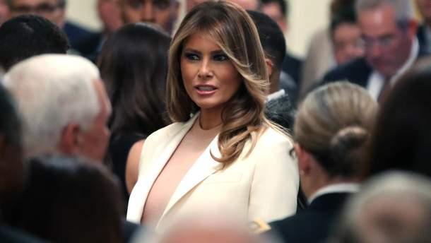 Меланія Трамп засвітила неймовірно елегантний образ на офіційній зустрічі (фото)