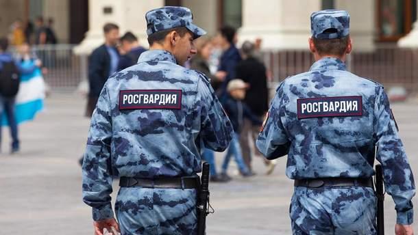 Во время учений в России БТР наехал на двух росгвардейцев