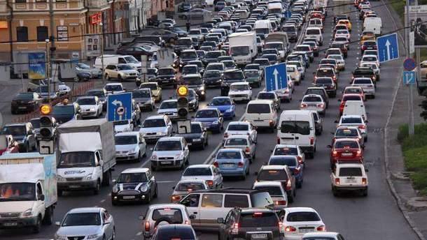 Київ застиг у заторах через події на мосту Метро