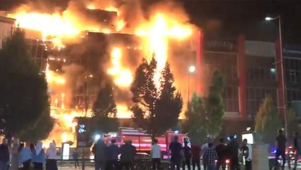 У Грозному загорівся найбільший торговий центр Чечні
