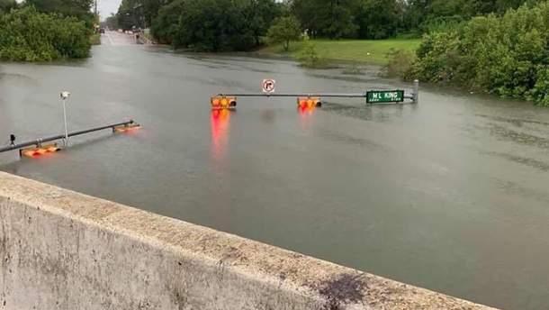 Шторм Имельда в Техасе, есть жертвы – фото, видео шторма