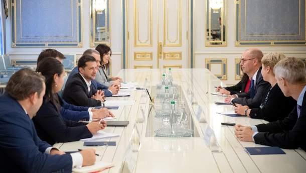 Зеленский на встрече с представителями МВФ