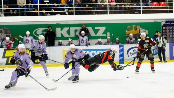 """Хоккей: """"Кременчуг"""" забросил 11 шайб, а """"Белый Барс"""" минимально уступил """"Днепру"""" (видео)"""