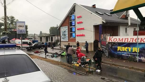 ДТП в Броварах вчора 26.09.2019 – відео аварії, поліцейський влетів в зупинку